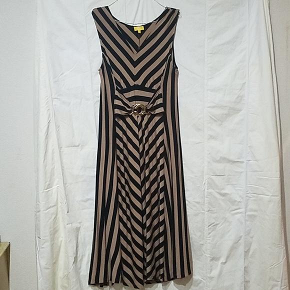 619f802da Liz Lange Dresses   Skirts - Liz Lange Maxi Sleeveless dress 1X